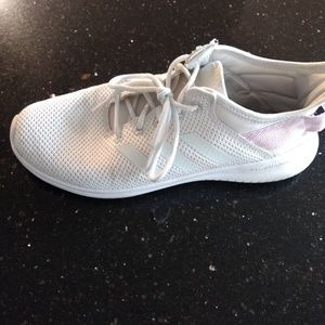 Adidas Cloud Foam Womens Pink/White Size 8.5
